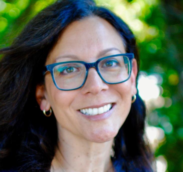 Dr. Gabriela Bronson-Castain